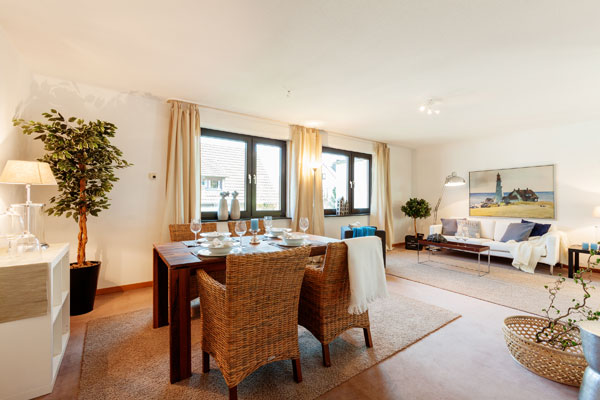 Nachher: Wohnzimmer mit Homestaging-Möbeln