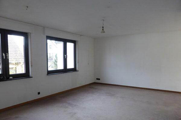 leer geräumtes Wohnzimmer